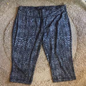Danskin Now Cropped Leopard Print Leggings